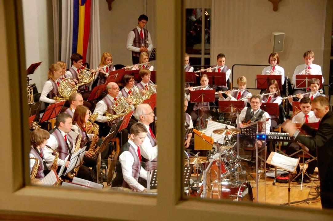 Ungemein konzentriert: Das Orchester der Stadtmusik  | Foto: Sylvia-Karina Jahn