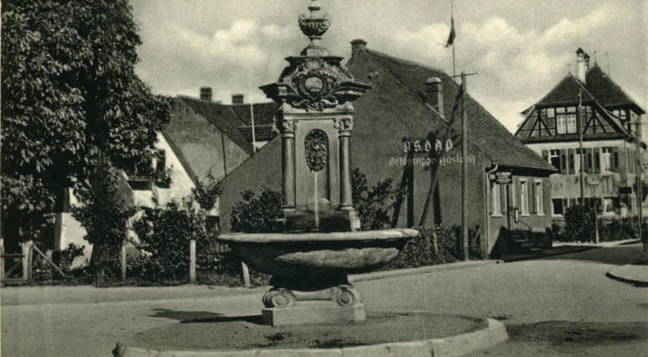 """Die Postkarte aus der  Zeit um 1940   ...nes braunes Haus"""" bezeichneten.     Foto: Archiv Jürgen Oehler"""