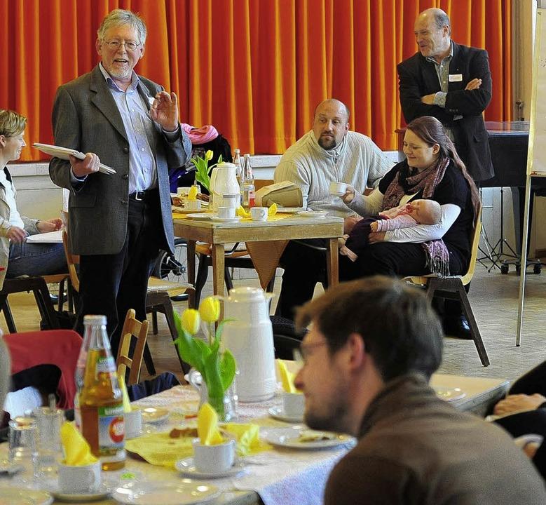Pfarrer Dieter Habel wirbt für die evangelische Taufe.  | Foto: Thomas Kunz