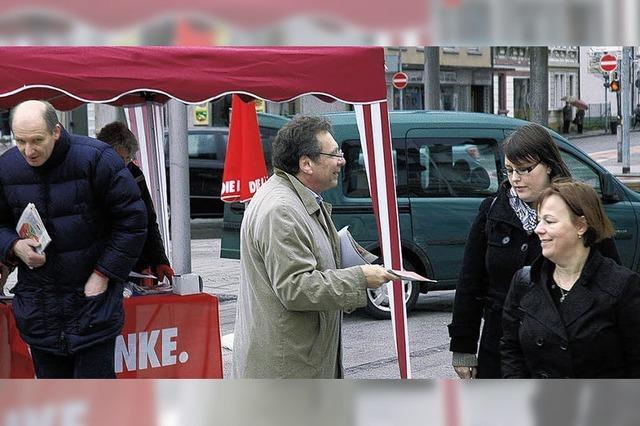 Linken-Parteichef Ernst redet mit Rheinfeldern