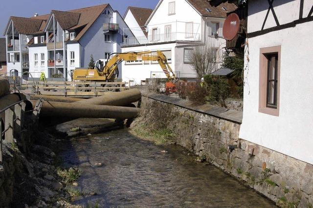 Storchenbrücke gestern abgerissen