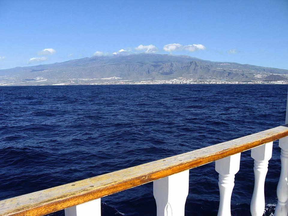 Wenn sie schon keine Wale sehen, haben...ens einen schönen Blick auf den Teide.  | Foto: -