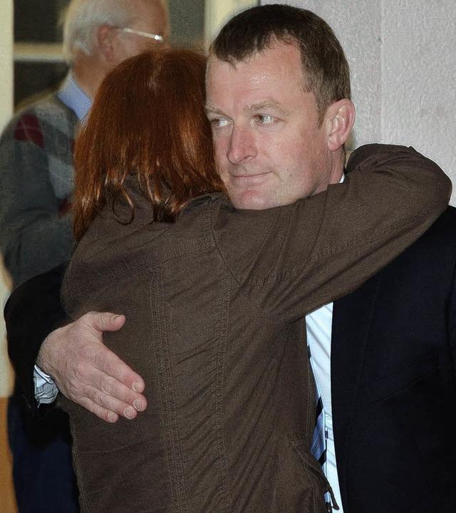 Ulrich Lusche und die Zweitkandidatin ...auer sind froh über das Direktmandat.     Foto: Michael Reich