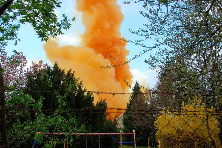 Die Giftwolke über einem angrenzenden Gartengrundstück. (Foto: Adam)