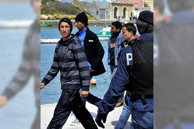 Immer mehr Libyer flüchten - viele Boote landen auf Lampedusa