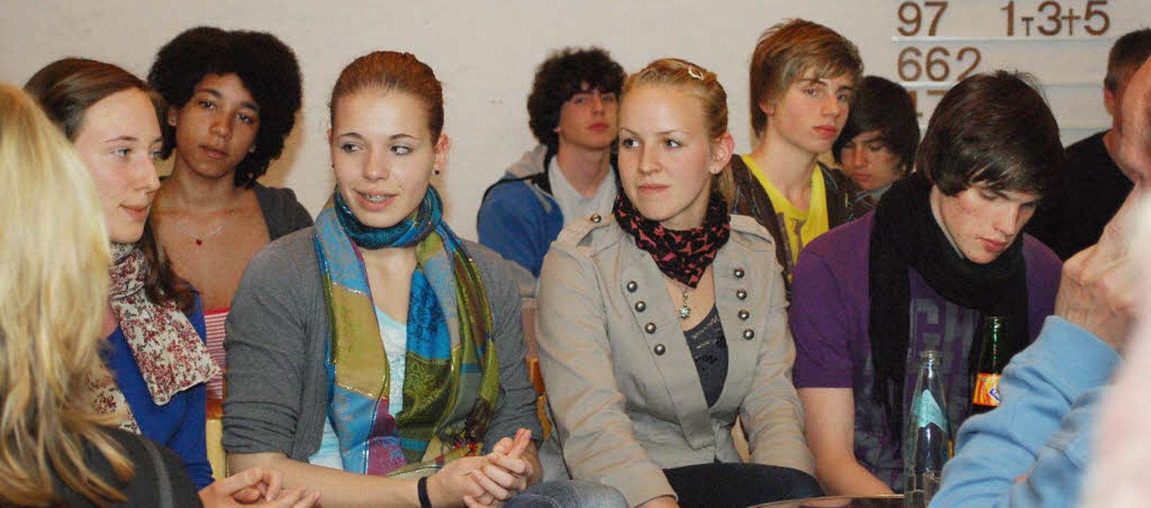 Berichteten über ihre Eindrücke in Isr...um Nahost-Konflikt am Faust-Gymnasium.  | Foto: Axel Dröber