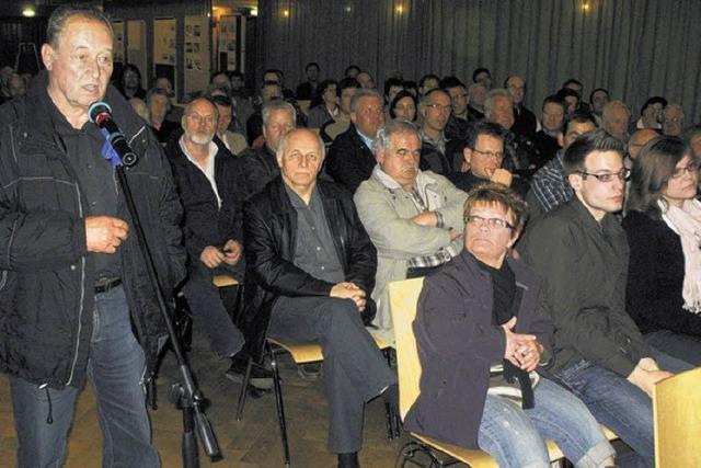 Bürger melden sich zu Wort zur Stadthalle