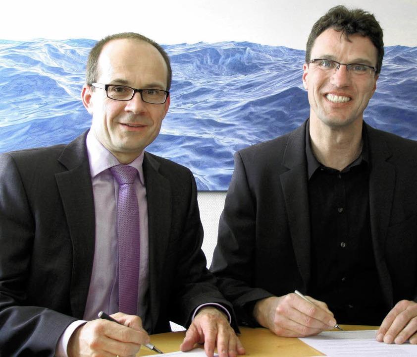 Sparkassendirektor Jochen Brachs (link... ihre bewährte Bildungspartnerschaft.   | Foto: Monika Rombach