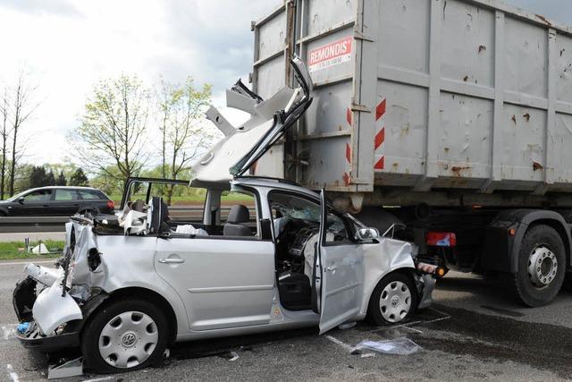 Zubringer Mitte: Drei Verletzte bei Unfall