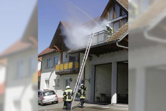 Feuerwehr Wallbach führt eine heiße Nummer vor