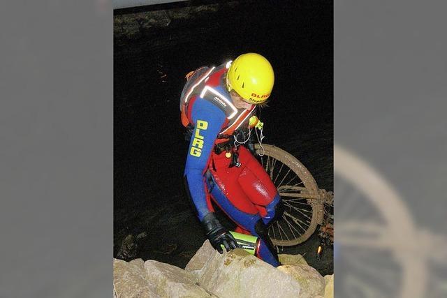 50 Kilo Schrott aus Rhein geholt