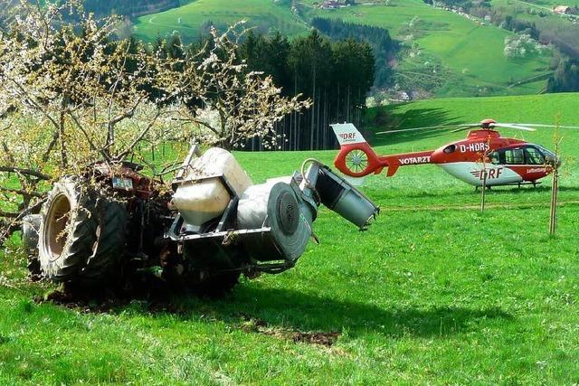 Landwirt wird vom Traktor überrollt