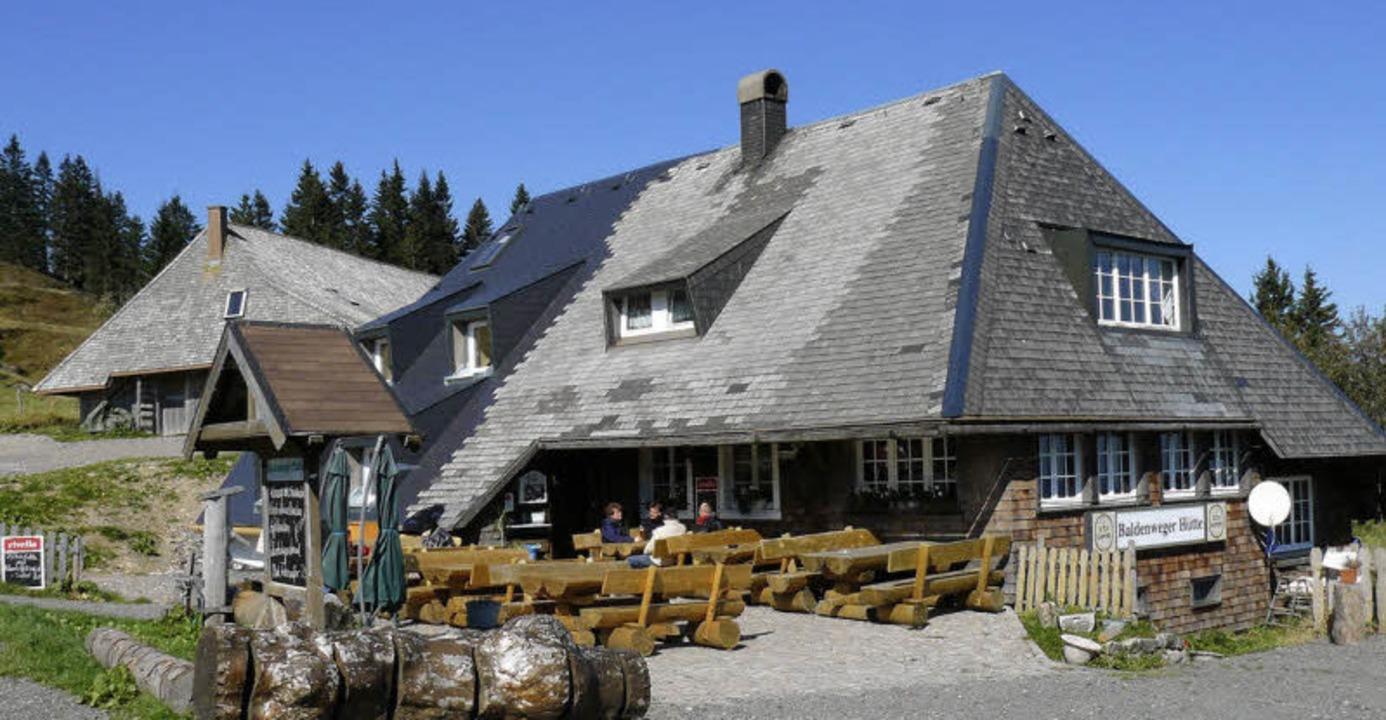Rustikal auch draußen: die Baldenweger Hütte.  | Foto: thomas winckelmann