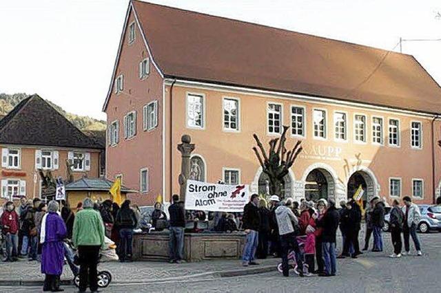 Mahnwache auf dem Sulzburger Marktplatz