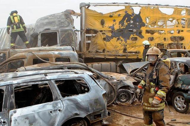 Karambolage nach Sandsturm: 8 Menschen sterben