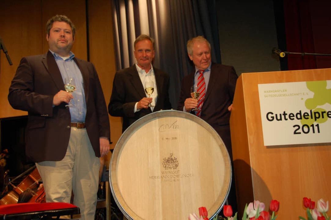 Christoph Wirtz (links) und Hermann  D...reisträger Wolfgang Abel in der Mitte.  | Foto: sigrid umiger