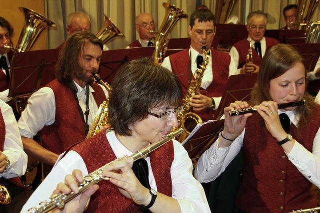 Junge Sänger und altgediente Musiker
