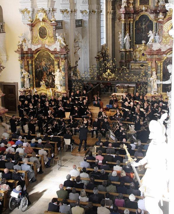 Die Kammerchöre der Kantoreien Münster...on  in der Pfarrkirche St. Peter auf.     Foto: Hans Jürgen Kugler