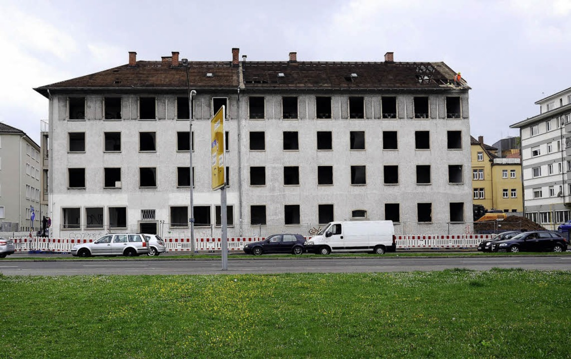 Das alte Gebäude an der Ecke von Fried... Gebäude (unten) mit Büromietflächen.   | Foto: Ingo Schneider/ Firma Unmüssig