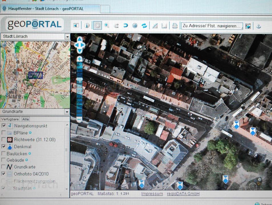 Über das Geoportal können Bürger Grund...r die ganze Stadt im Internet abrufen.  | Foto: Thomas Loisl Mink