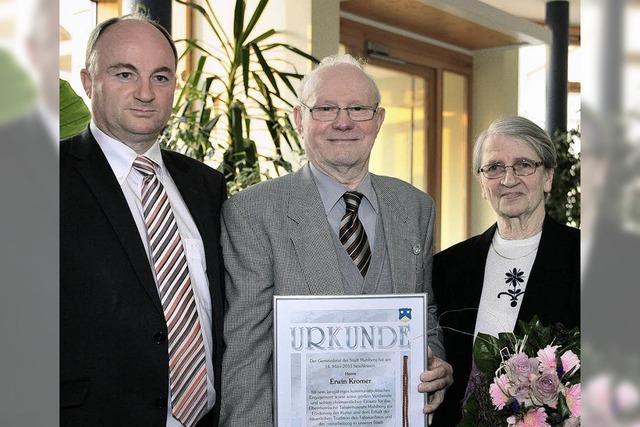 Stadt ehrt Erwin Kromer mit der Bürgermedaille