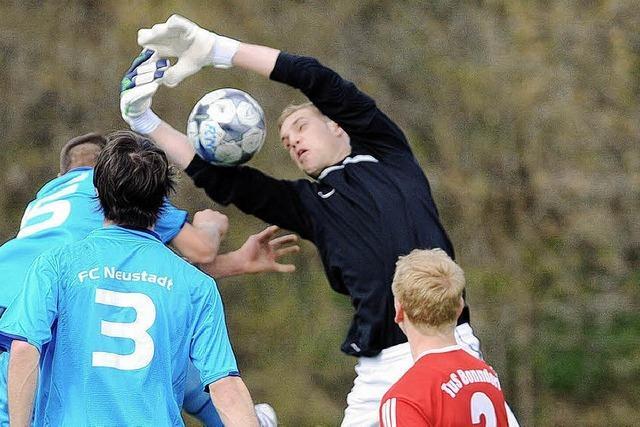 Geburtstagskind überrumpelt den FC Neustadt