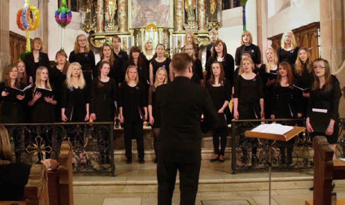 Der Mädchenchor Chorus Juvenalis aus d...stag zu Gast in der St.-Gallus-Kirche.  | Foto: Kugler