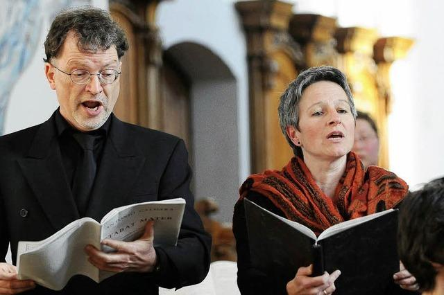 Der Chor singt mit Leidenschaft