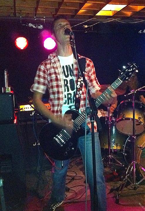 """The Killing Sound"" ergatte...ld Sänger und Gitarrist Michael Perera  | Foto: Privat"