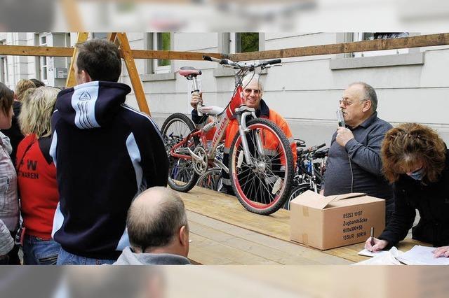 Fahrräder und mehr versteigert