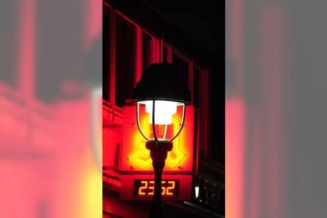 Meister der Lampen messen nach Ostern