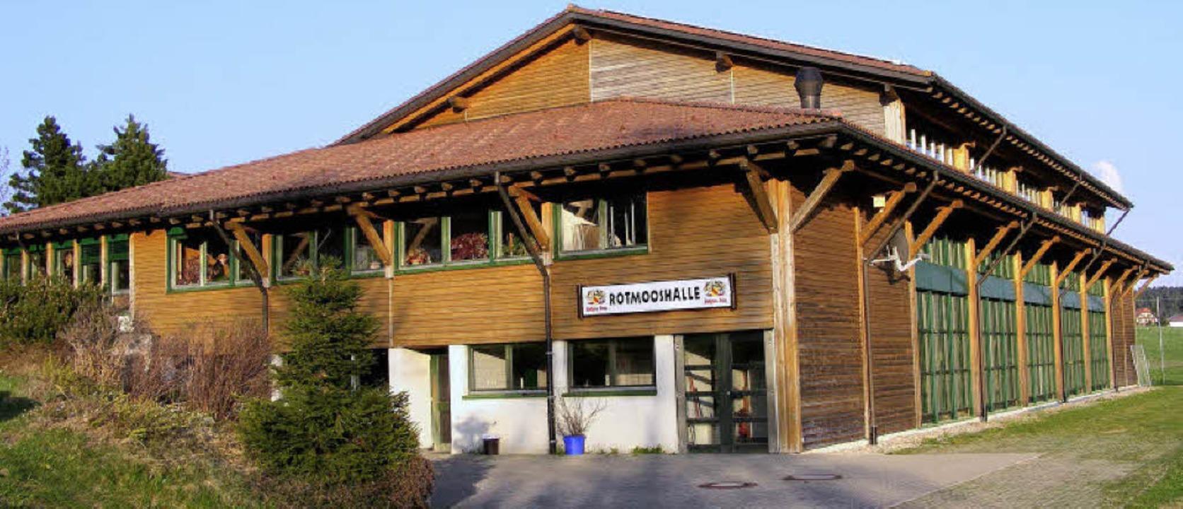 Sie kann auch in Zukunft von Privatpersonen gemietet werden: die Rotmooshalle.     Foto: Wolfgang Adam
