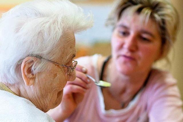 Pflege: Angehörige sollen entlastet werden