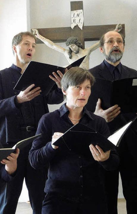 Chorgesang zur Passion Christi auf hoh...n der evangelischen Kirche in Kandern.  | Foto: Silke Hartenstein