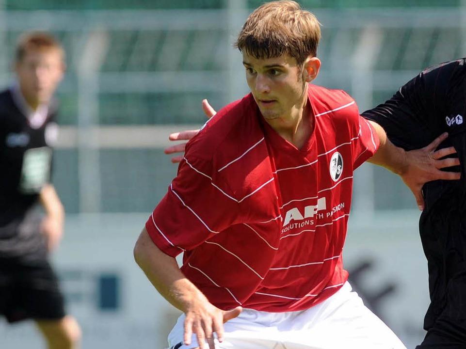 Tim Albutat brachte den SC Freiburg mi... 1:1 in die Verlängerung (Archivbild).  | Foto: Meinrad Schön
