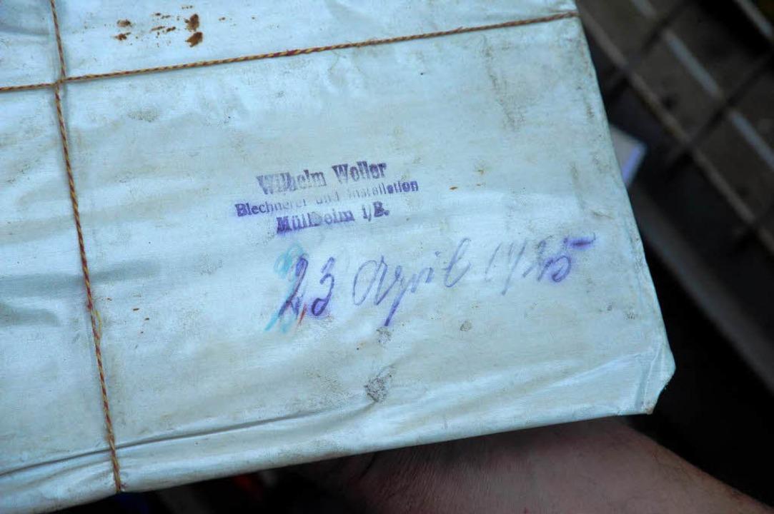 Außen aufgedruckt ist der Name der Mül...dgeschrieben das Datum 23. April 1945.  | Foto: Volker Münch