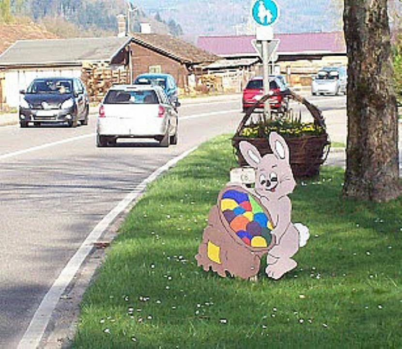 Reuige Diebe:  Gudrun Krause hat  ihren Osterhasen wieder.   | Foto: Privat