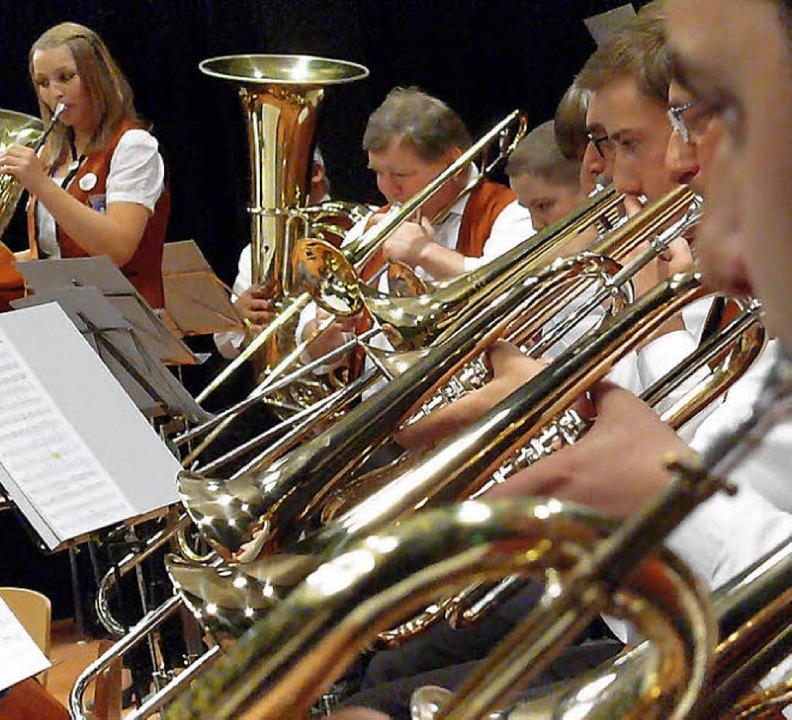 Für die Diersburger Musiker gab es einen Riesenapplaus.    Foto: Frank Leonhardt