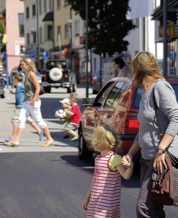 Blick in die Wehrer Hauptstraße: Ein n...on des Einzelhandels näher beleuchten.  | Foto: archivfoto: hrvoje miloslavic