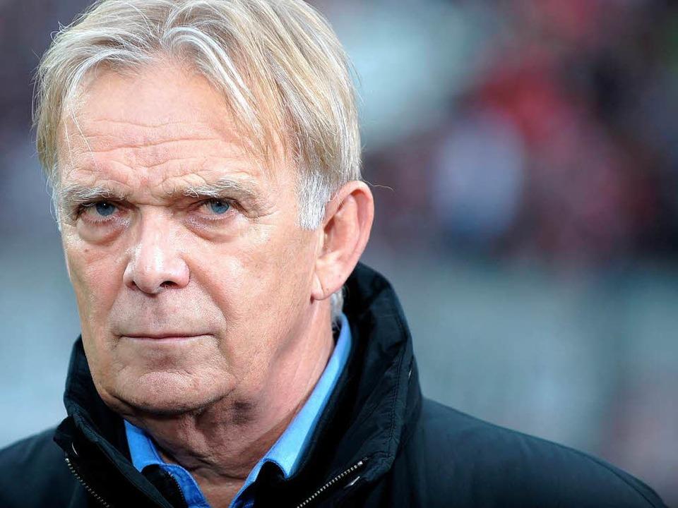 Volker Finke wird Trainer beim 1. FC Köln.  | Foto: dpa