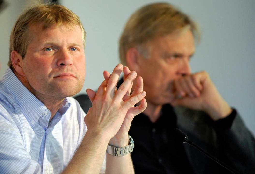 Der bisherige FC-Trainer und sein Nachfolger: Schaefer, Finke.  | Foto: dpa