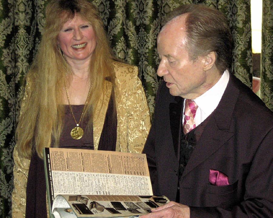 Georg A. Weth und Annette Greve blicken zurück.  | Foto: Rieger