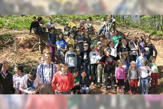 50 Teilnehmer bei der Waldputzete