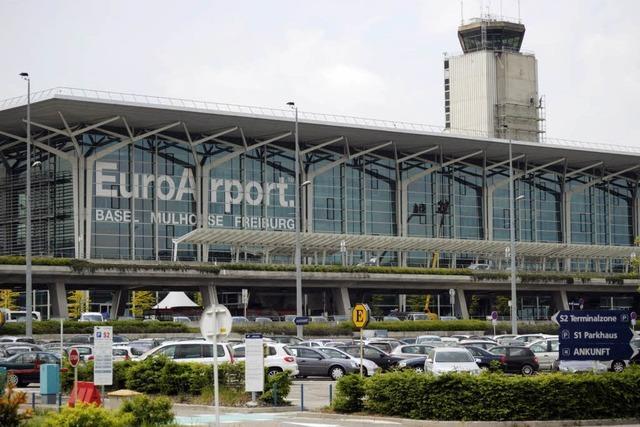 Fluglotsen-Mord: Polizei fahndet nach einem Kollegen