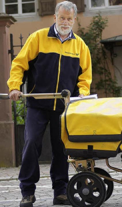 Georg Rothe war 51 Jahre lang Postbote... in der Bad Säckinger Innenstadt zu.      Foto: charlotte janz