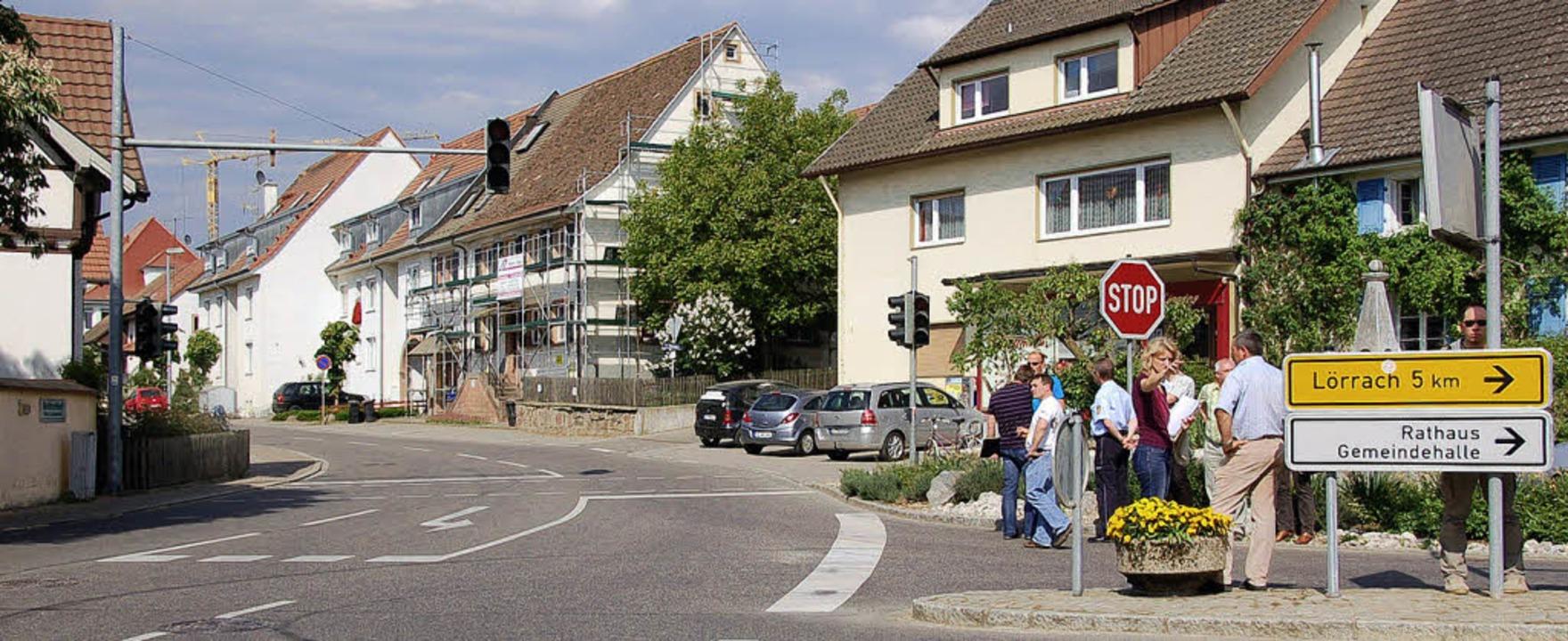 Soll sicherer werden: Die Kreuzung in der Rümminger Ortsmitte.   | Foto: Markus Maier