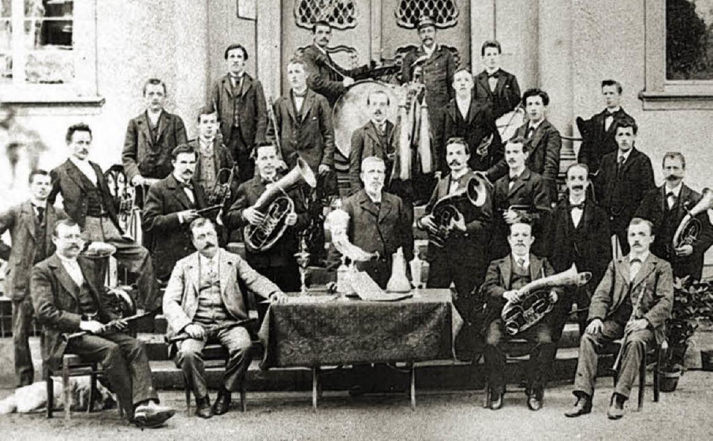 25 Musiker bildeten im Jahre 1900 die Stadtmusik Waldkirch.   | Foto: Repro: Eberhard Weiss