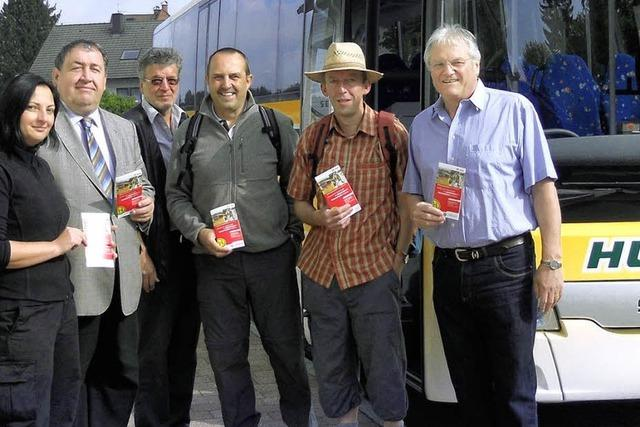 Wanderbus mit neuem Fahrplan