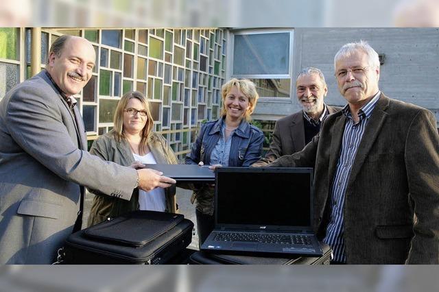Vier Laptops