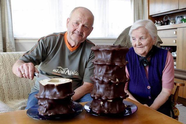 Paket mit Baumkuchen aus der alten Heimat